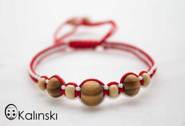 мартеници-гривна-бяло-и-червено-дървени-топчета-3