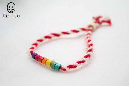 ълнени-мартеници-гривна-бяло-и-червено-с-дървено-мънисто-шарени22