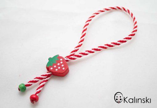 ълнени-мартеници-гривна-бяло-и-червено-с-дървено-ягода-2