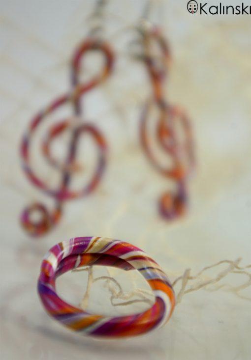 Ръчно изработен пръстен с обеци сол ключ-бяло оранжево лилаво