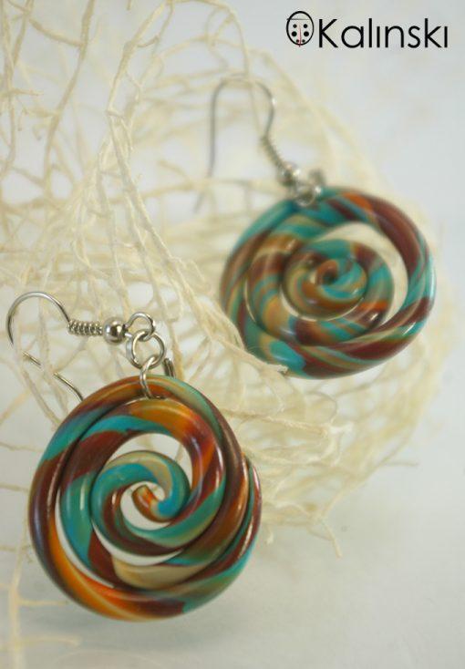 Ръчно изработени обеци спирала кафяво синьо оранжево