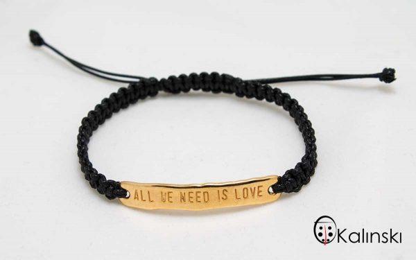 """Гривна с надпис """"All we need is love"""" плетена черна, метален елемент със златно покритие"""