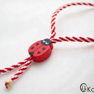 ълнени-мартеници-гривна-бяло-и-червено-с-дървено-калинка