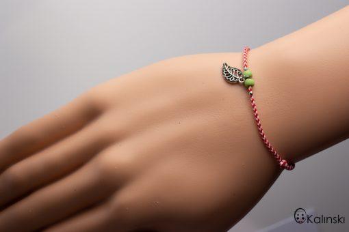 Мартеница за ръка гривна с листо