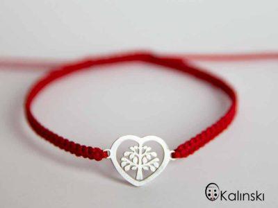 гривна-червен-конец-сърце-за-любовгривна-червен-конец-сърце-за-любов